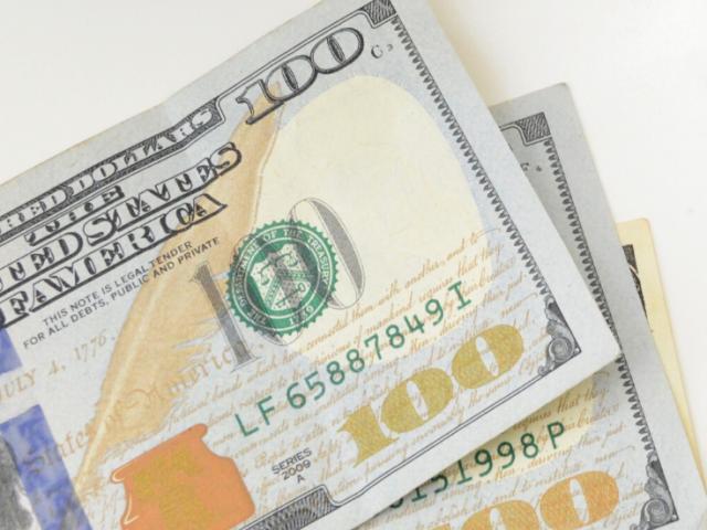 How I earn  an Extra 100 Dollars a Week